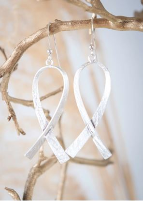 Picture of Silver Crafted Metal Earrings - Ribbon