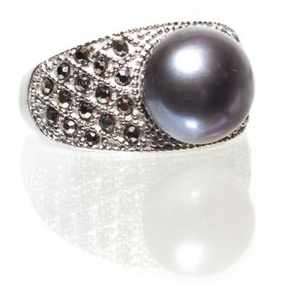Picture of Size 9 Peacock Black Pearl-Tiled Pearl Ring With Hematite Crystals