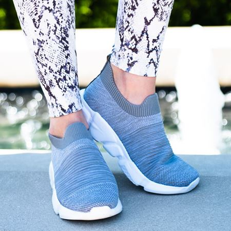 Picture for category ATHLEISURE TENNIS SHOES
